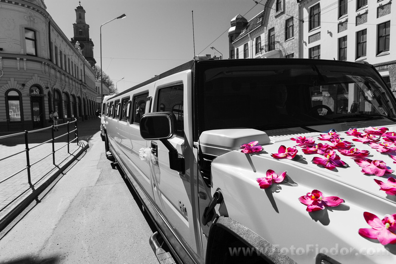Wedding limousine Hammer H2